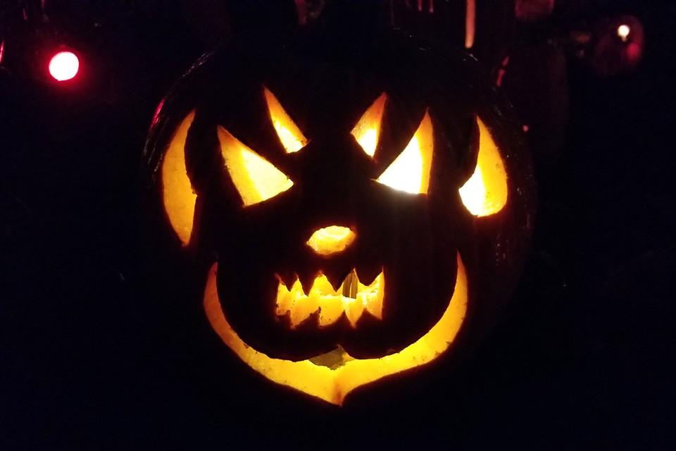 Традиции Хэллоуина за годы существования этого праздника расширяются