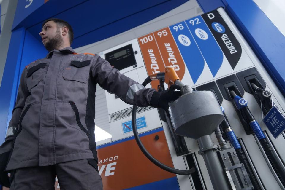 В ближайшее время переход на зимнее дизельное топливо закончится и жить водителям станет легче.