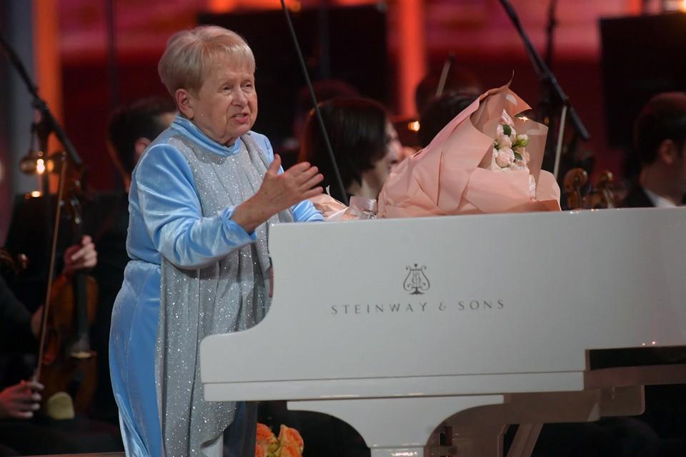 Юбилей Александры Пахмутовой отметили грандиозным концертом в Большом театре