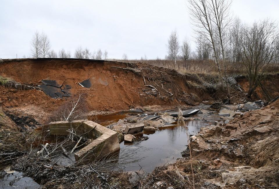 Работы по восстановлению поврежденных участков продолжаются Фото: пресс-служба правительства Тверской области