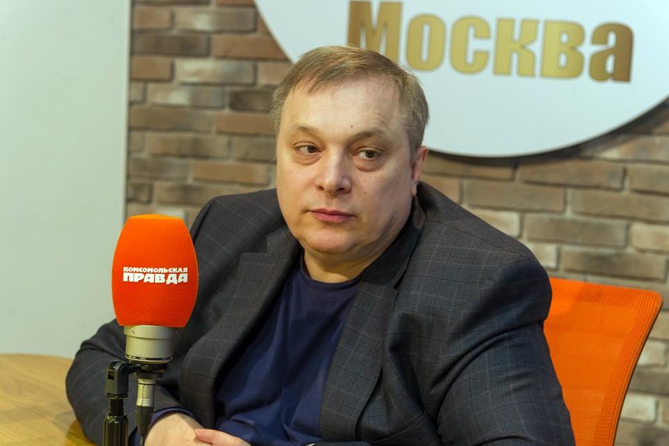 Андрей Разин периодически делится с подписчиками информацией о состоянии здоровья Анастасии Заворотнюк.