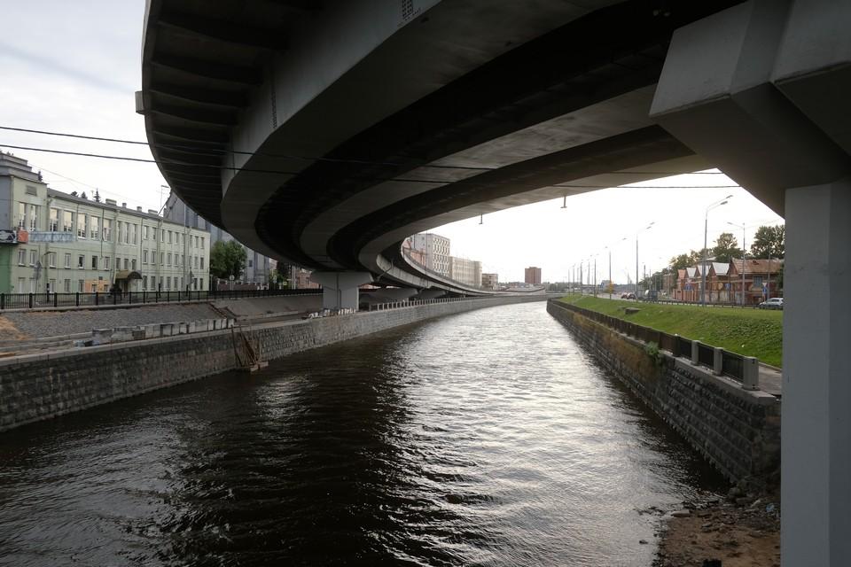 На новом мосту через Екатерингофку в Петербурге сделают трехполосную автомобильную дорогу