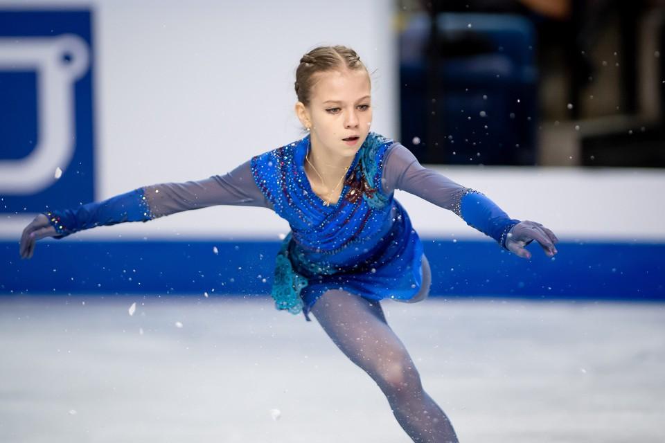 Александра Трусова попытается обойти Евгению Медведеву.