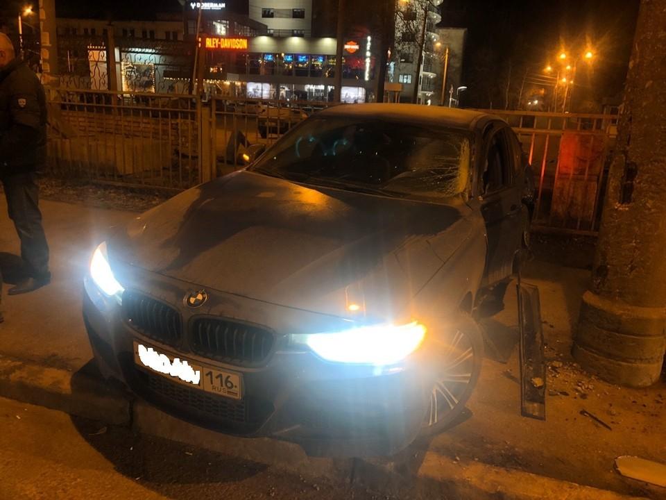 Во всех подробностях аварии будут разбираться полицейские. Фото: «Ночной патруль Самара».