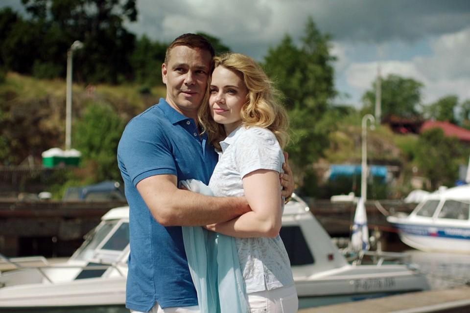 Петр и Надя решили сплавать за счастьем на яхте. Фото: Кадр из фильма