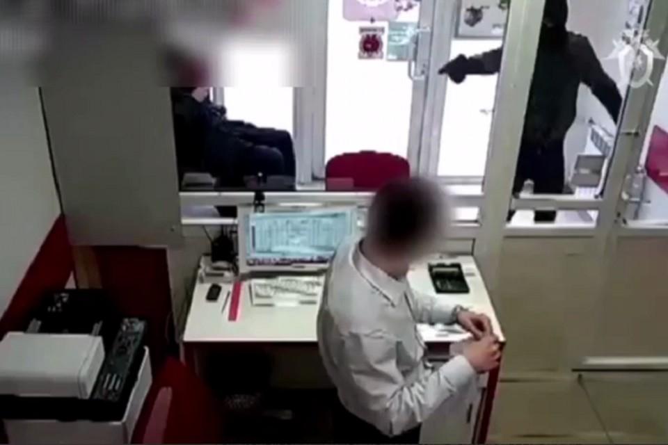 За вооруженное ограбление троим школьникам грозит до 10 лет тюрьмы. Фото: СК РФ по СПб