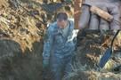 Поисковики ищут родственников героя, чей медальон нашли рядом с гранатой