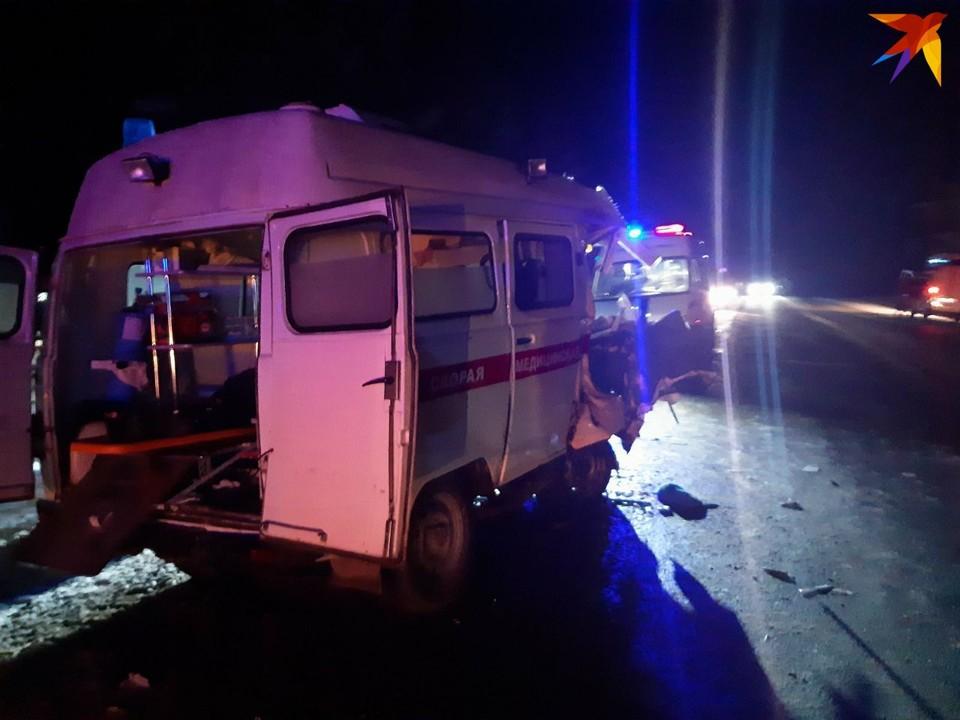 Два погибших и три пострадавших: в Удмуртии столкнулись скорая и грузовик Фото: предоставлено очевидцами