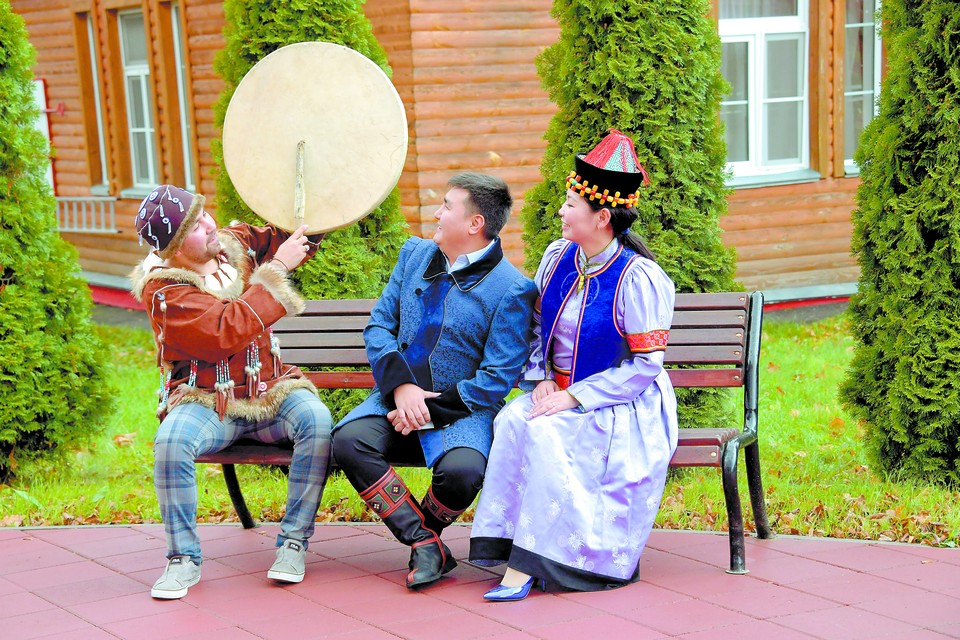 Участники лагеря 30 национальностей говорили на одном языке.