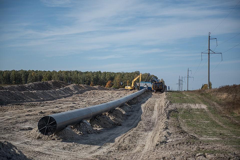 Сегодня берущий свое начало в Самаре и протянувшийся до Мозыря через Брянск нефтепровод «Дружба» переживает обновление.