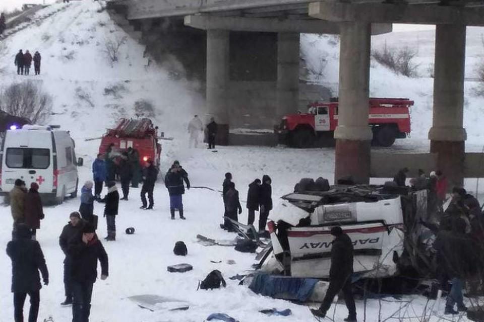 Пассажиры автобуса, который упал с моста в Забайкалье, были застрахованы