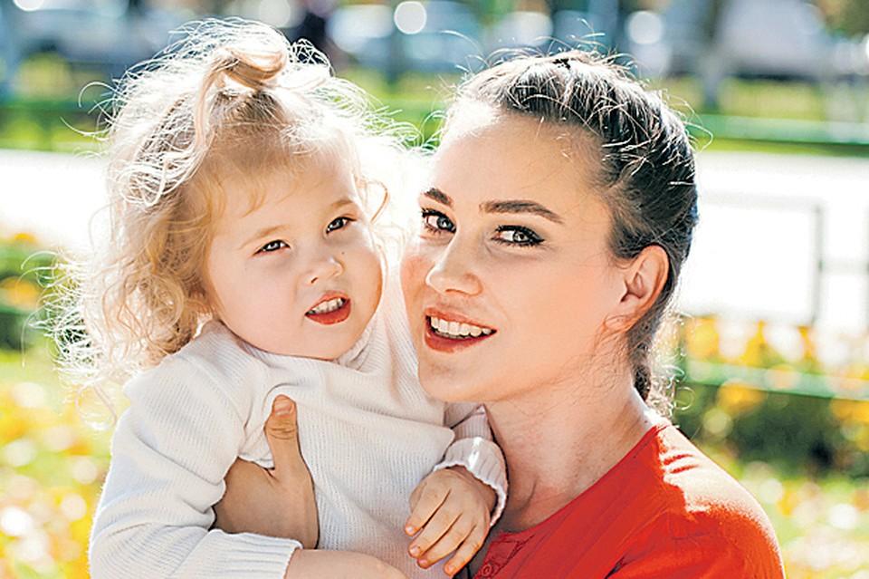Срок выплаты пособий родителям малышей в России - один из самых долгих в мире. Фото: Andrey Arkusha/globallookpress.com