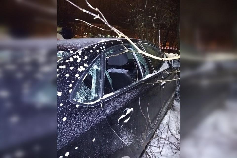 Мужчина пытался спрятаться от злоумышленника в машине. Вото из личного архива героя публикации