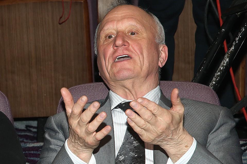 Геннадий Бурбулис