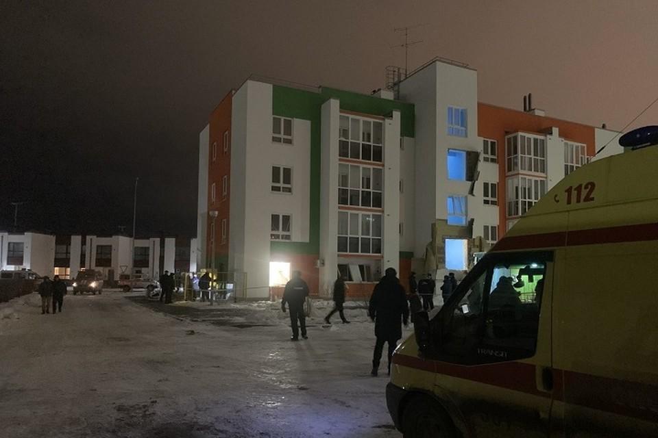 """Рассказываем все, что известно о взрыве бытового газа в многоквартирном доме в Тюмени. Фото Фото ГБУЗ ТО """"Станция скорой медицинской помощи"""""""
