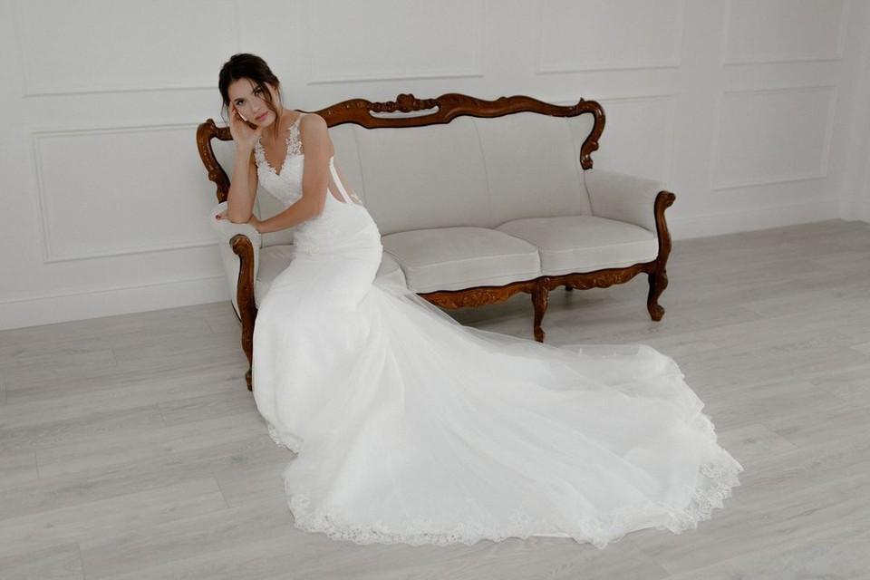Девушка переживает, что так и не примерила платье невесты.