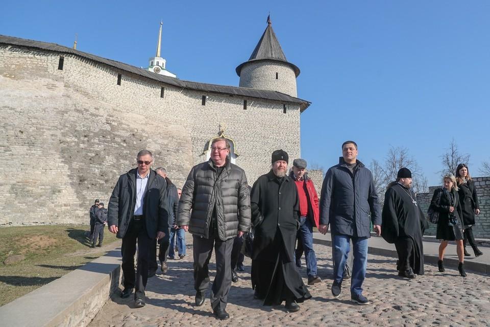 Фото: pskov.ru. В прошлую встречу с Сергеем Степашиным удалось заручиться серьезной поддержкой Фонда.
