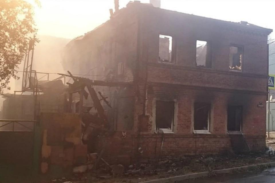 В Ростове сгорел очередной дом на Театральном спуске