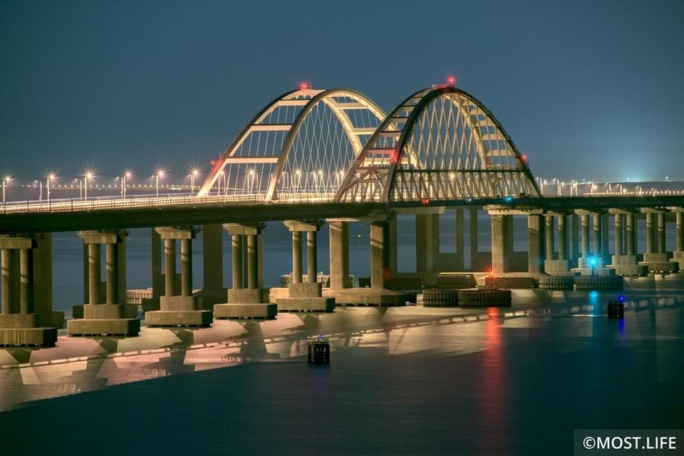 Крымский мост - самый длинный в России. Фото: Инфоцентр Крымский мост