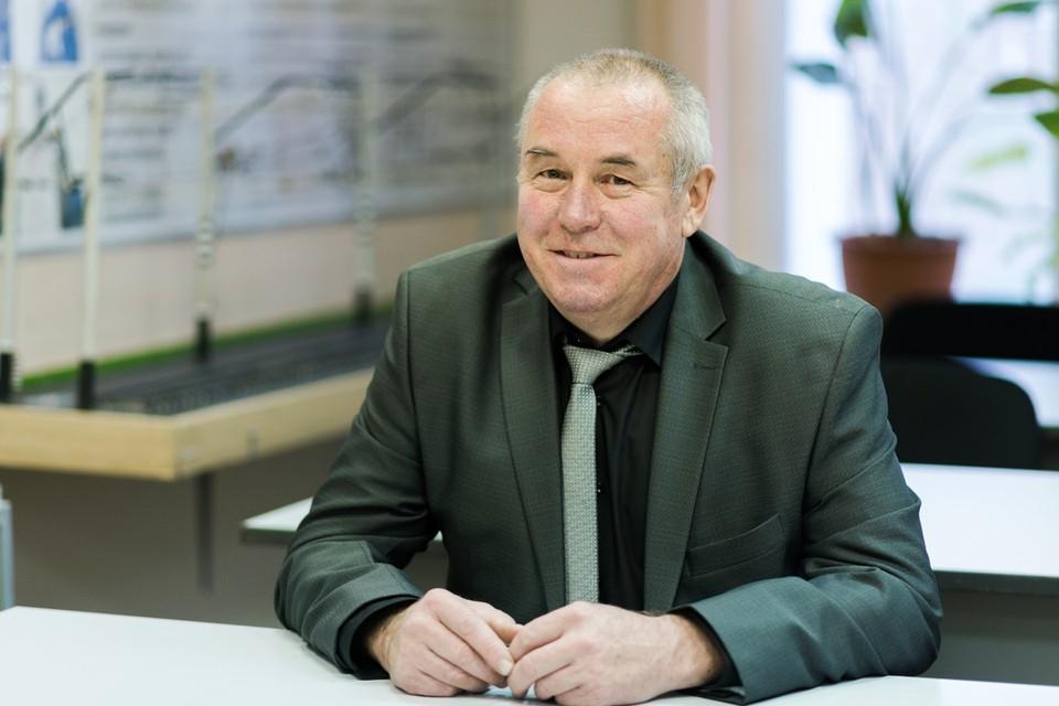 Борис Геннадьевич пока на пенсию не собирается.