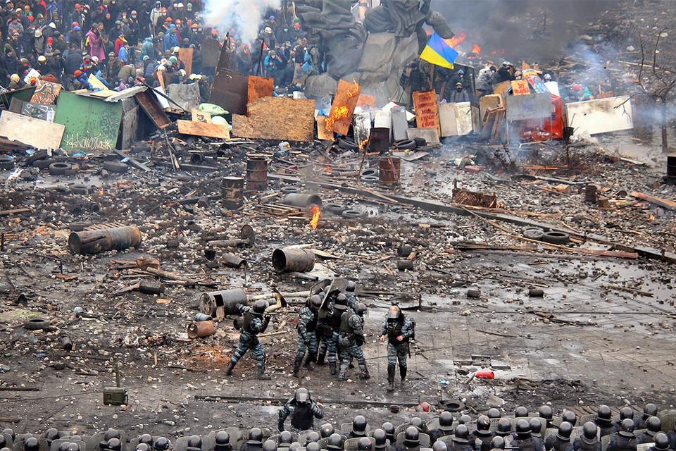 Беркутовцев, обвиняемых в терроризме, передали в Донбасс. На Майдане в 2014 году они защищались от протестующих.