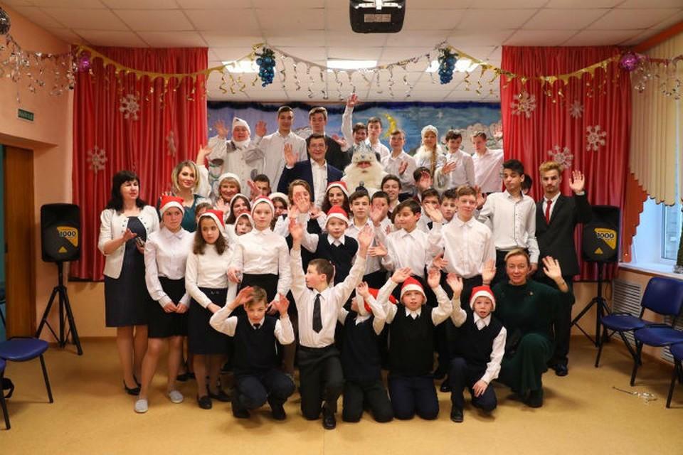 Глеб Никитин поздравил с Новым годом воспитанников школы- интерната № 8.