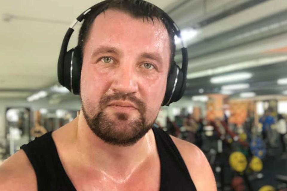 Виктор Цуканов 2 января пошел в спортзал сгонять лишние калории и похвастался этим на своей страничке в ФБ.