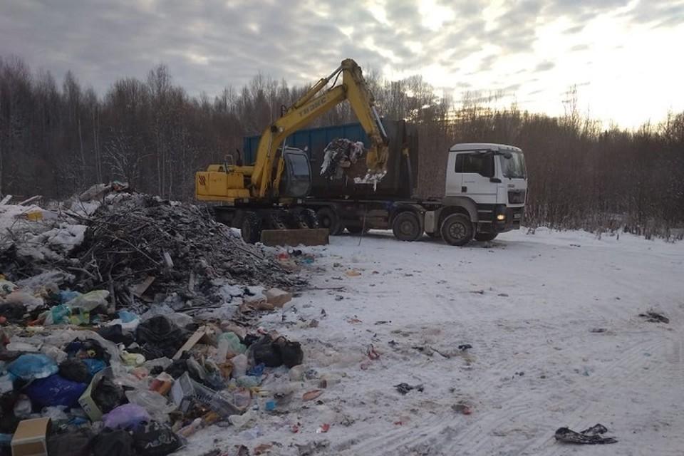 """В отдаленном поселке Югры единый регоператор начал вывозить мусор. Фото с сайта """"Югра-Экология"""""""