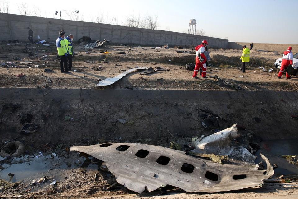 """Boeing-737 """"Международных авиалиний Украины"""", направлявшийся в Киев, разбился вскоре после вылета из аэропорта Тегерана 8 января 2020 года. EPA/ABEDIN TAHERKENAREH/ТАСС"""