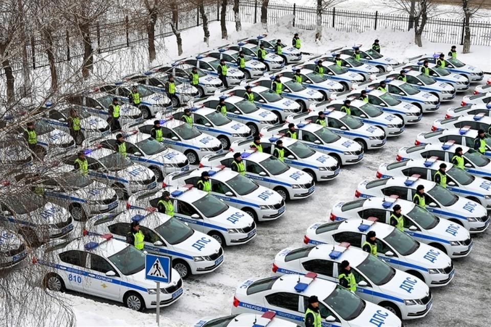 97 новых автомобилей будут патрулировать дороги Кузбасса. ФОТО: ГУ МВД России по Кемеровской области.