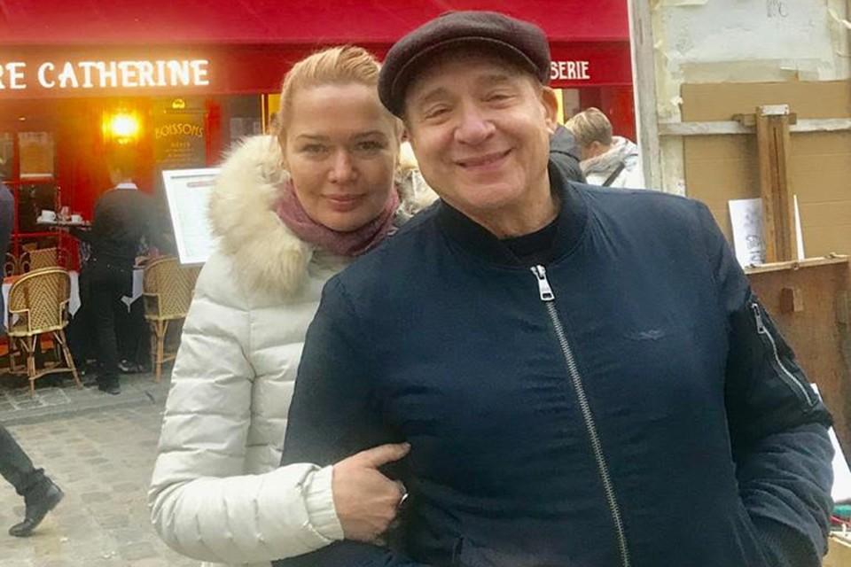 Дунаевский и его любимая женщина Алла Новоселова встречают 2020 год в Париже. Фото: Личный архив