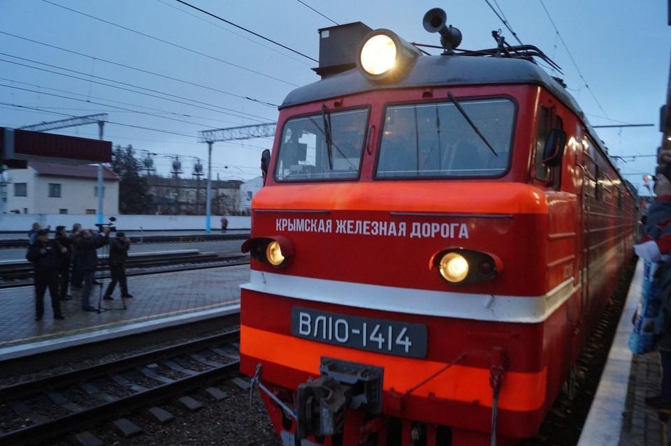 Движение по Крымскому мосту запустили 23 декабря