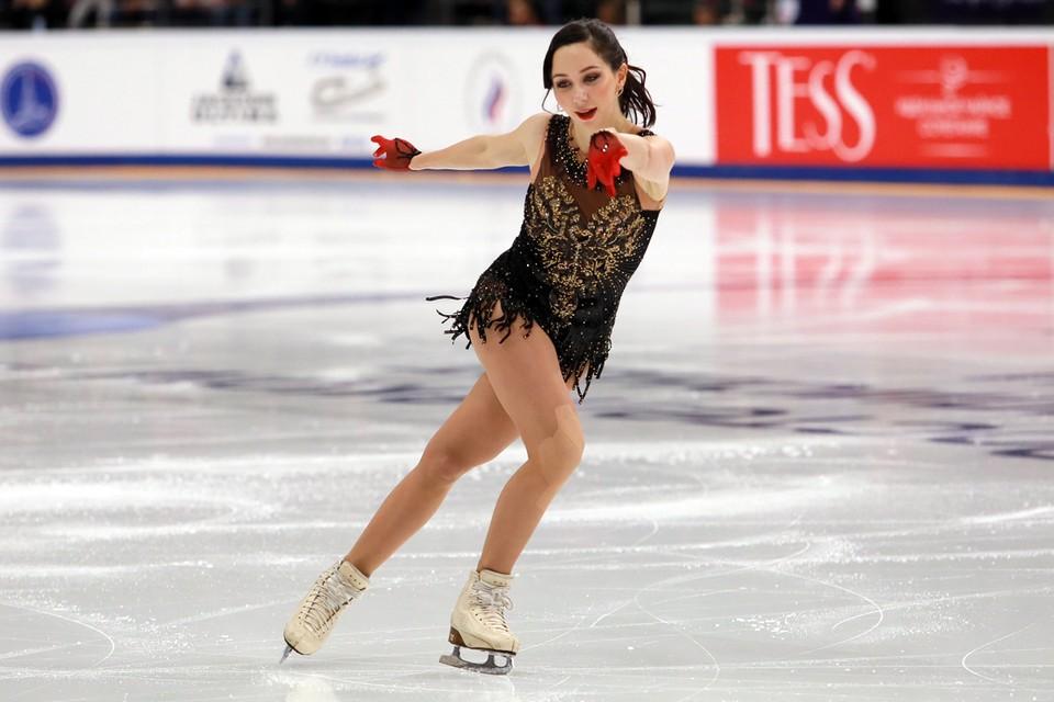 Наряду с известными тренерами и экс-фигуристами, соревнования будет освещать и действующая спортсменка Елизавета Туктамышева.