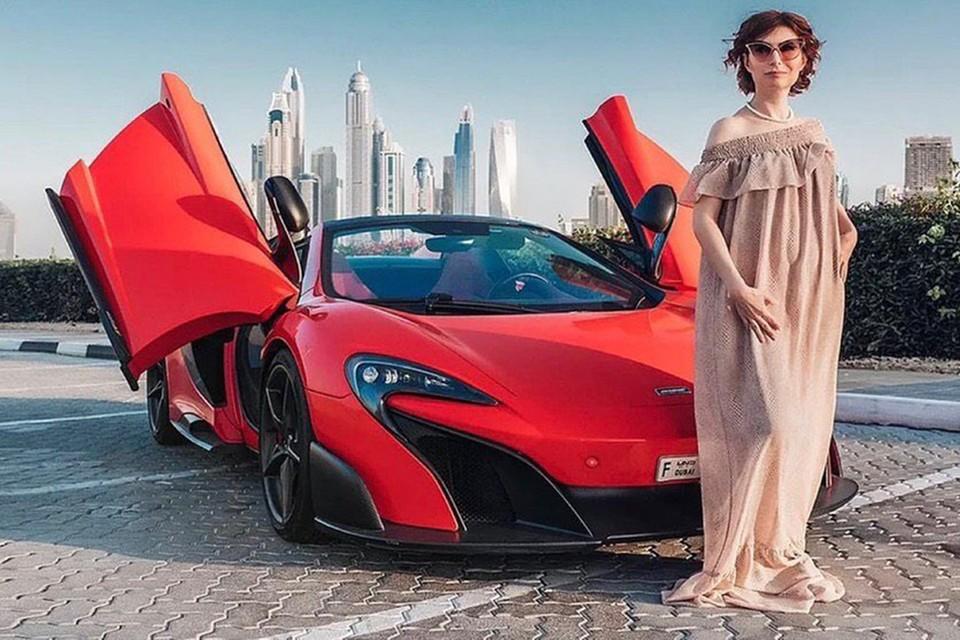 Ольга Юрковская продает в интернете свои курсы о том, как стать богаче и счастливее. Фото: личный архив.