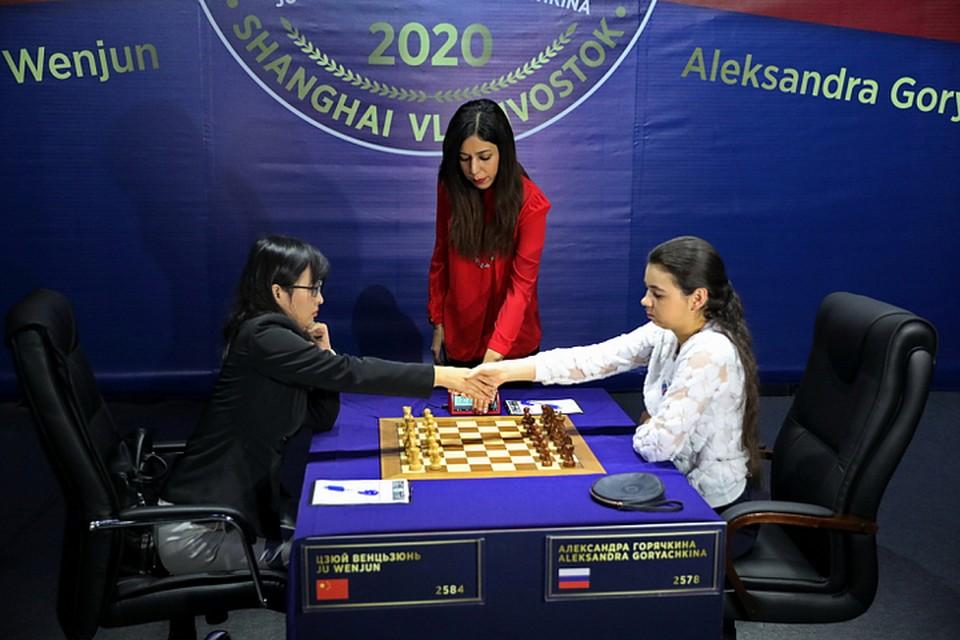 Александра Горячкина должна выиграть две игры подряд, чтобы стать чемпионкой мира. Фото: Александр Сафронов.