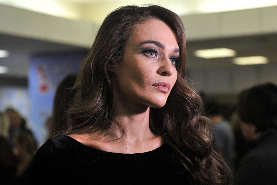 Не утихает скандал вокруг звезды «Дома-2» Алены Водонаевой.