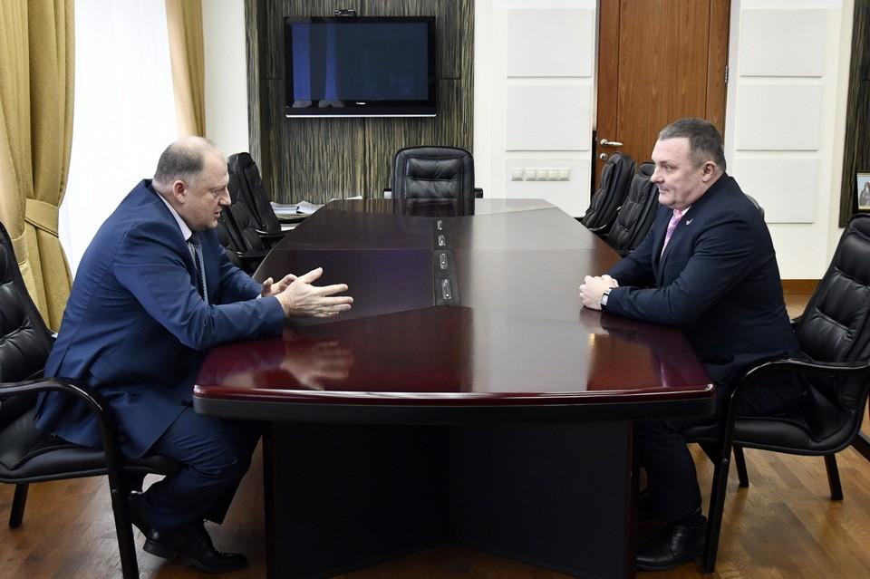 На встрече. Фото: пресс-служба ЗСТО