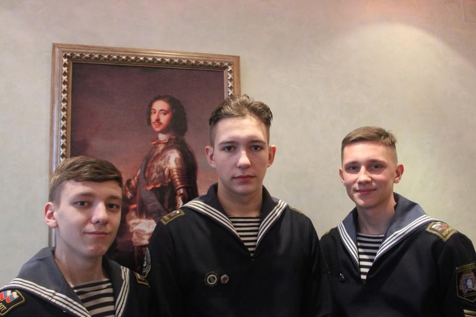 Курсанты себя героями не считают: говорят, что на их месте многие бы так поступили Фото: предоставлено Морским техническим колледжем имени адмирала Сенявина
