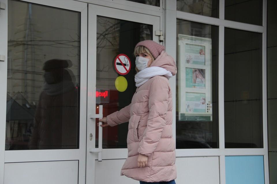 Сообщения о новом заболевании заставили воронежцев отправиться за защитными средствами.