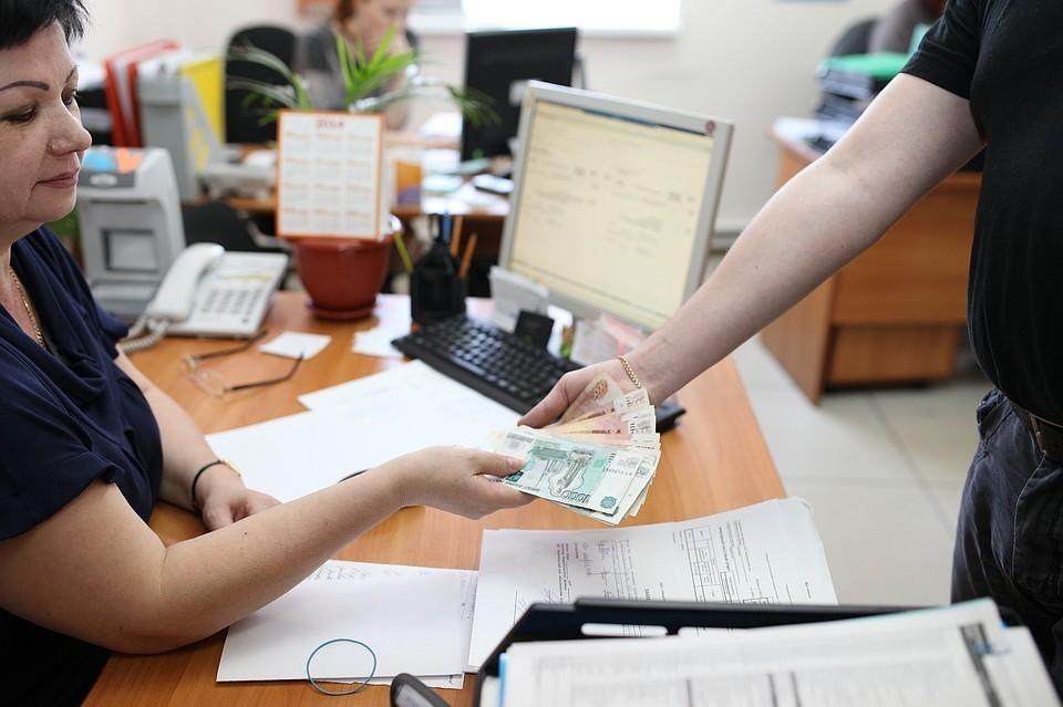 Где платят больше 50 тысяч в месяц: самые высокооплачиваемые сотрудники в Сибири работают в нефтянке и на добыче золота.