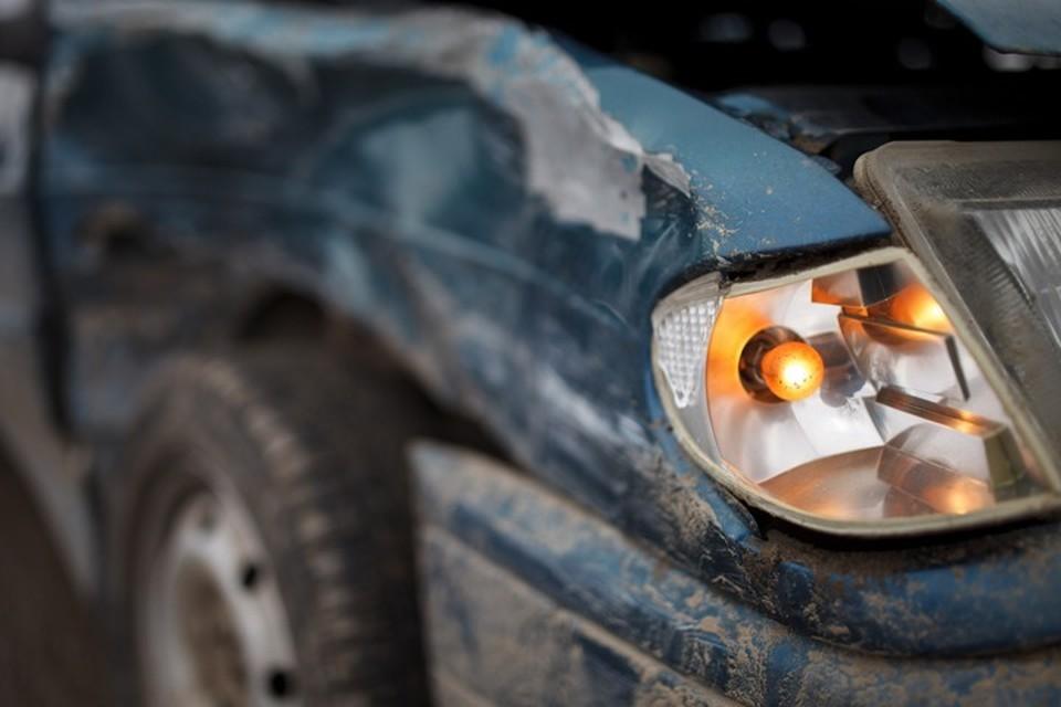Два человека погибли в страшной аварии на трассе в Кузбассе