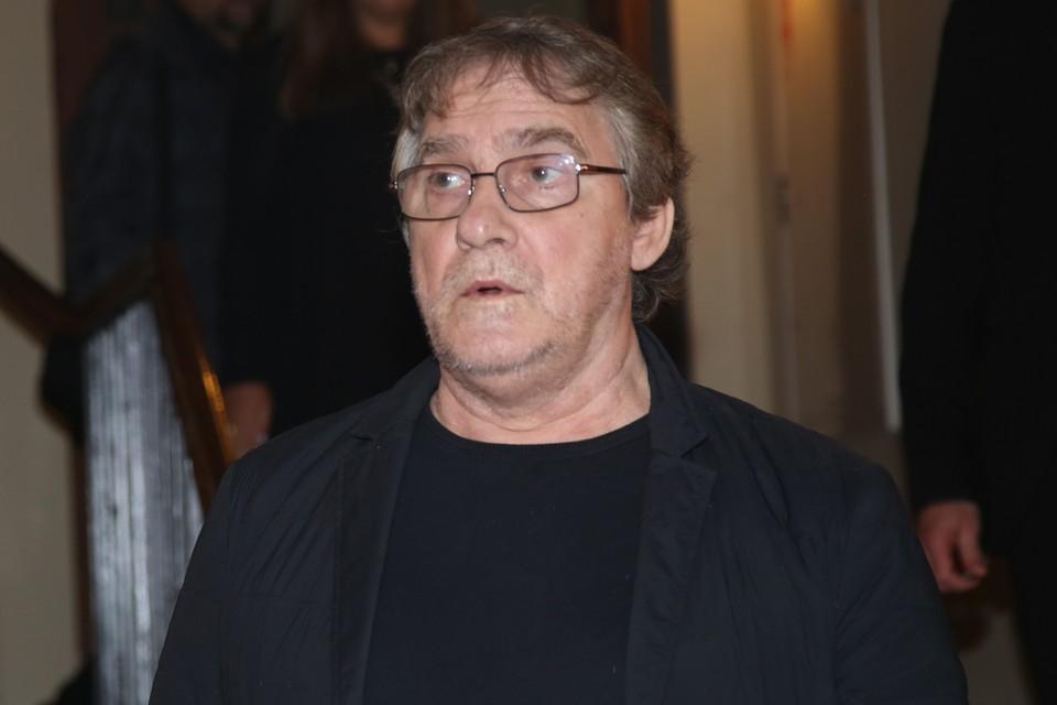 У 65-летнего Валерия Гаркалина началась одышка, когда он находился дома один.