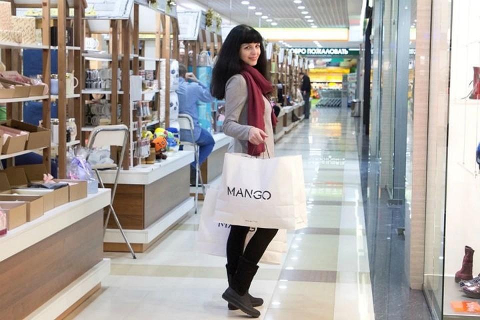 Поддельный Dior, липовые скидки и украденные пробники: как дурят в магазинах парфюмерии
