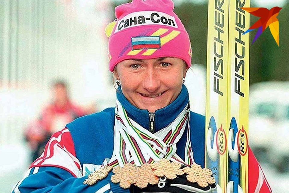 Елена Вяльбе с Олимпийским золотом. Фото: cska.ru