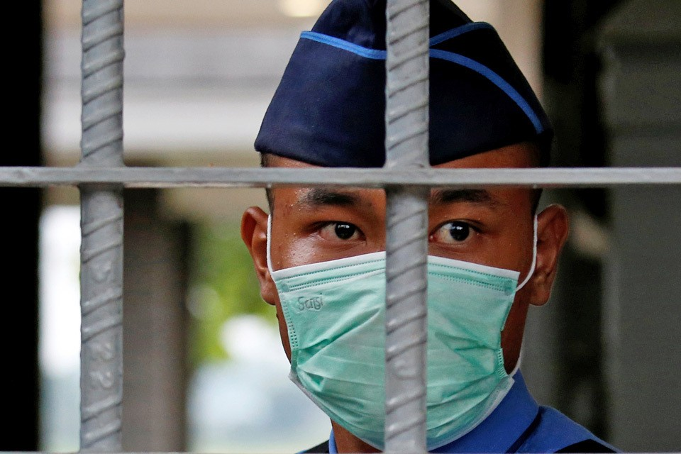 Тем, кто не будет соблюдать эпидемический режим, в Китае грозят наказанием вплоть до смертной казни.