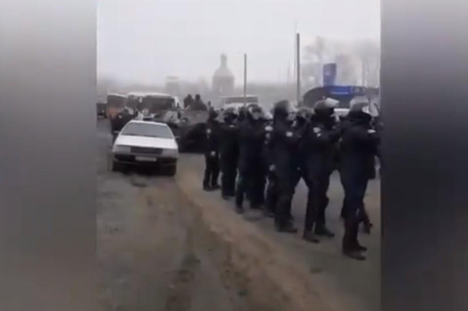 Украинцы устроили протест из-за возвращения сограждан на Родину