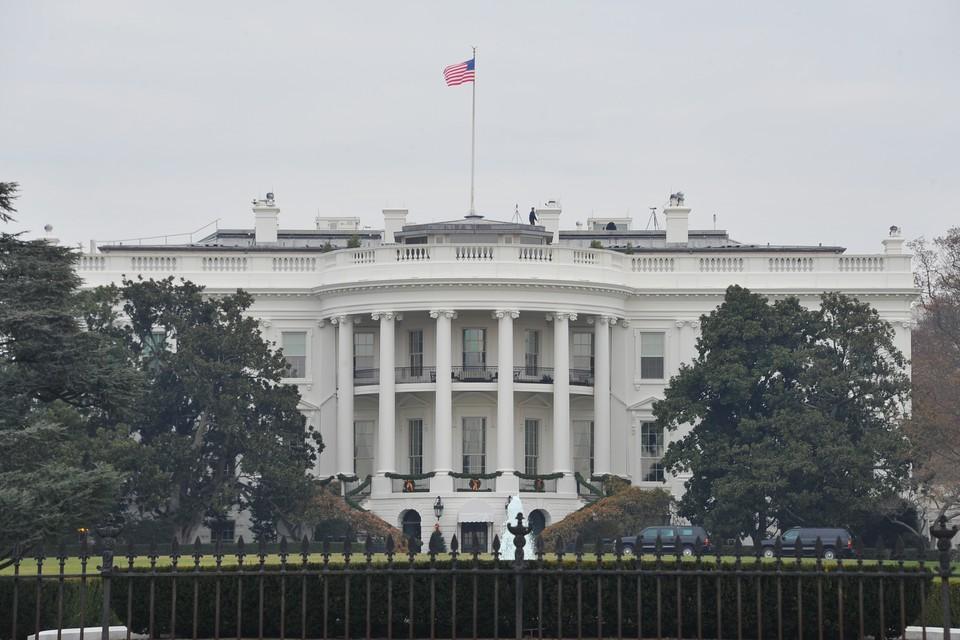 Песков назвал параноидальной версию о попытках РФ вмешаться в выборы в США