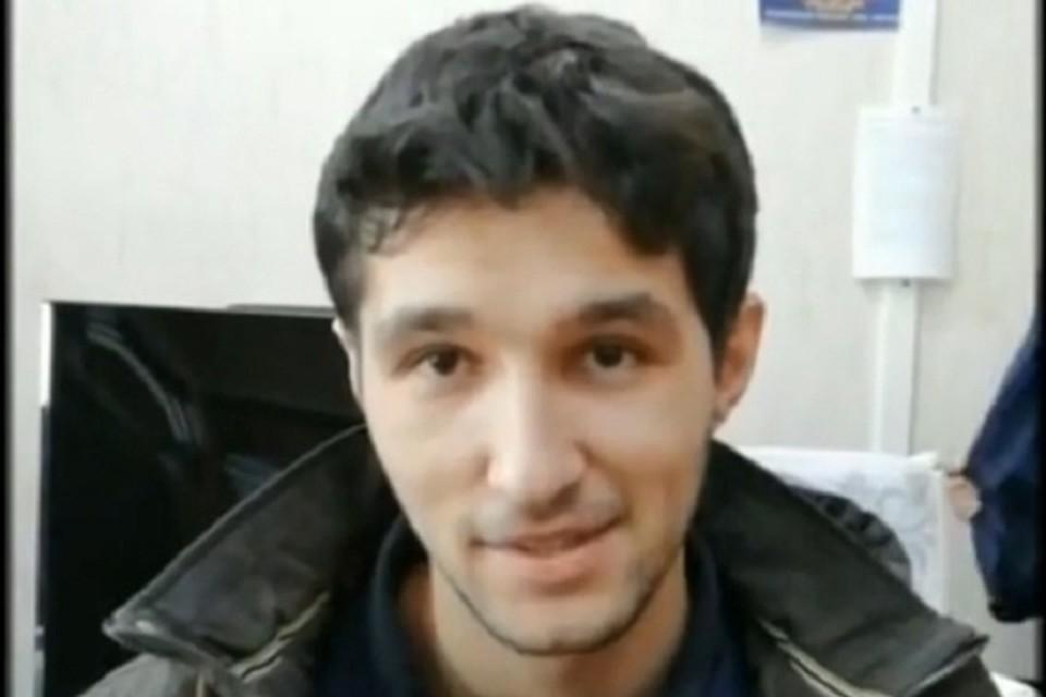 Подозреваемый с улыбкой рассказывает о своей афере