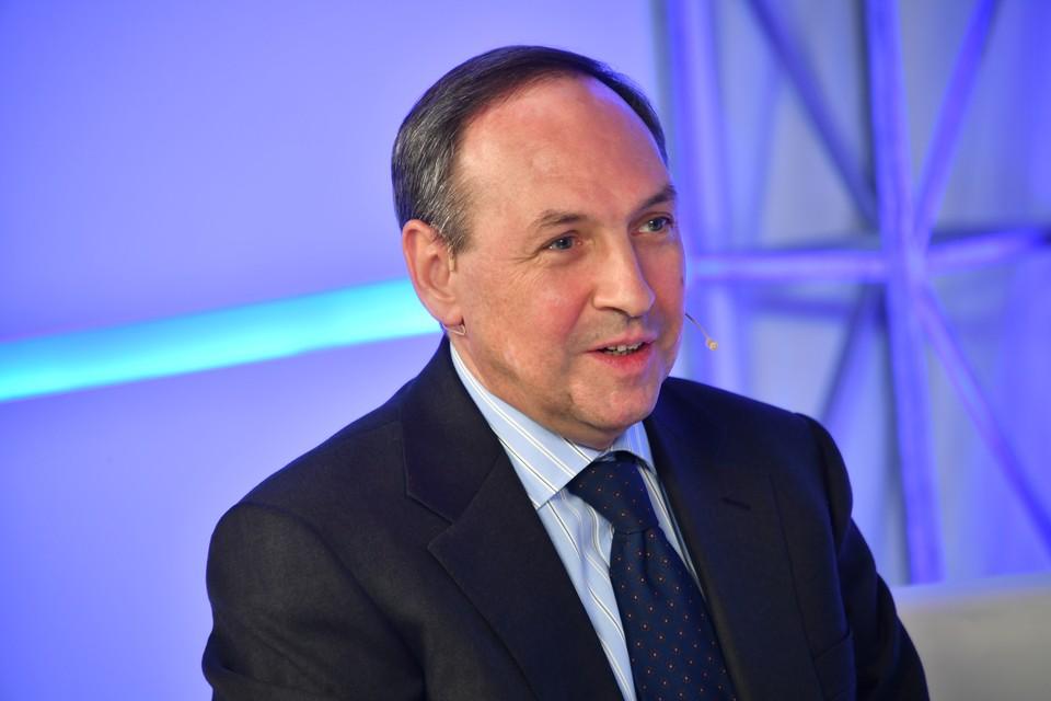 Историк, писатель, политолог, внук Вячеслава Молотова Вячеслав Никонов.