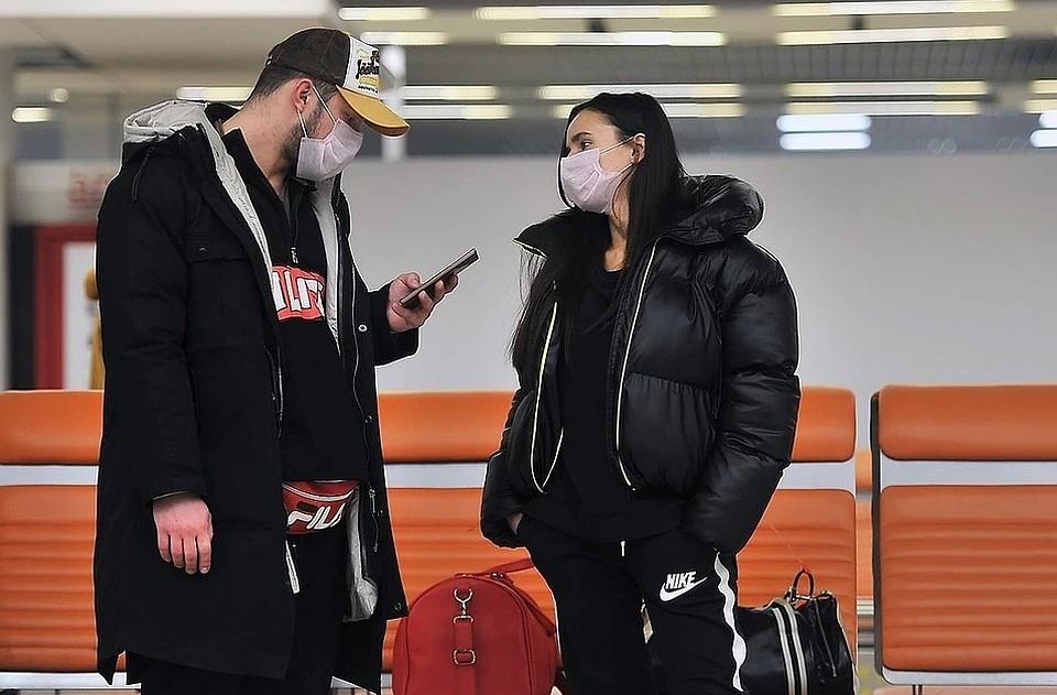 Треть россиян не верят в то, что коронавирус настолько опасен, как сообщают в СМИ